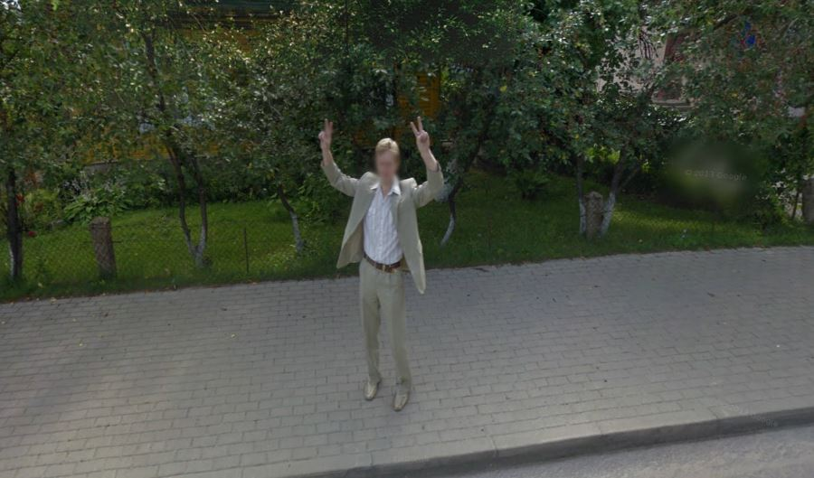 Funny Pictures: Google Street View Fails - image funny-pictures-google-street-view-fails-10 on https://www.topbestpics.com